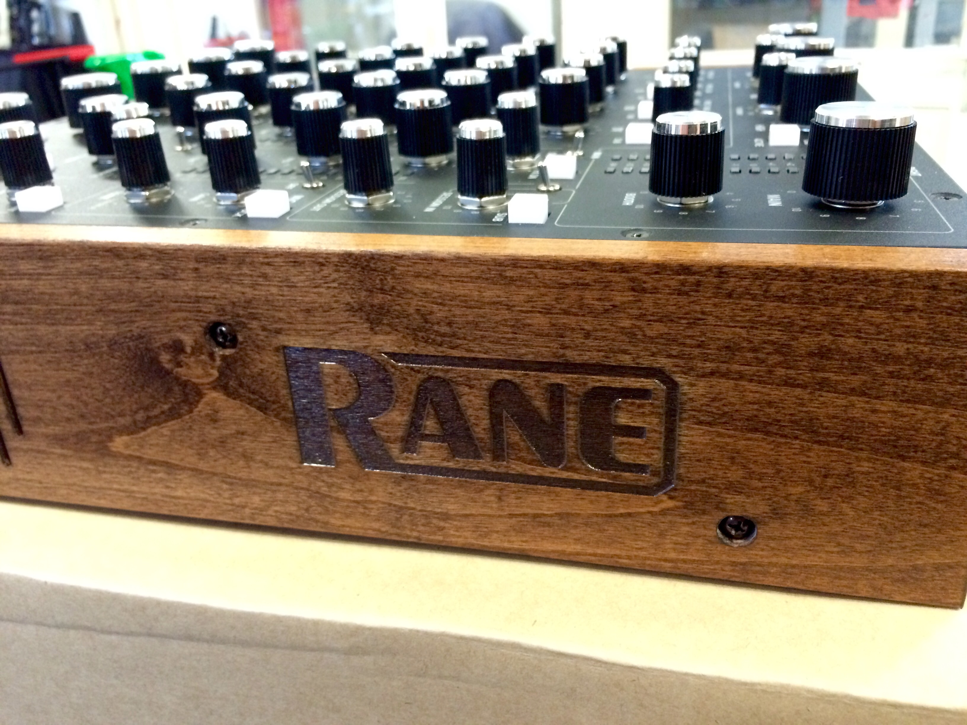 Neu in der Vermietung: RANE MP-2015